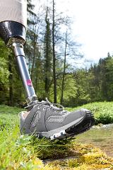 Unterschenkelprothese Marke Medi mit Prothesenlaufschuh Marke Dachstein